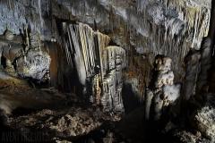 Stalagmiter och stalaktiter