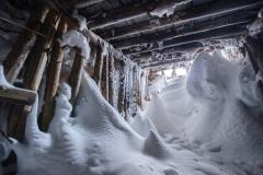 Snöfylld gruvöppning