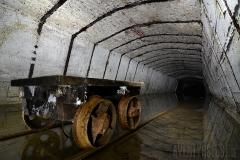 Vagn i vit tunnel