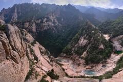 Sju små vattendrag bland Nordkoreas berg